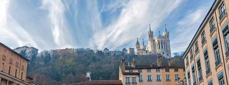 Lyon CELTA Courses Sky